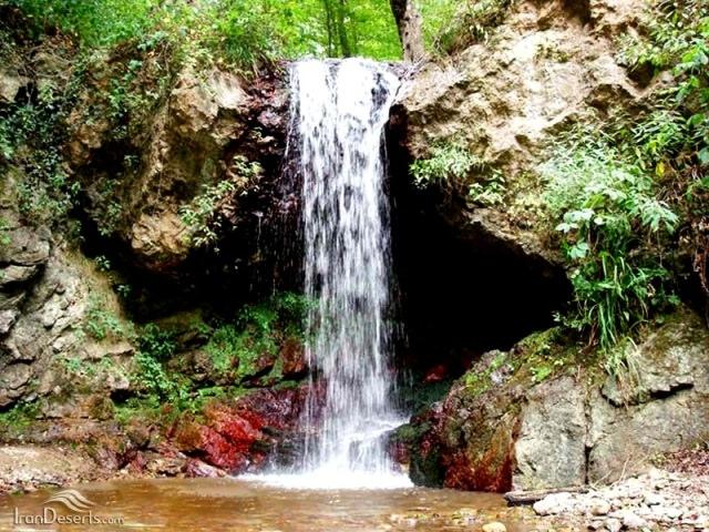 آبشار لارچشمه