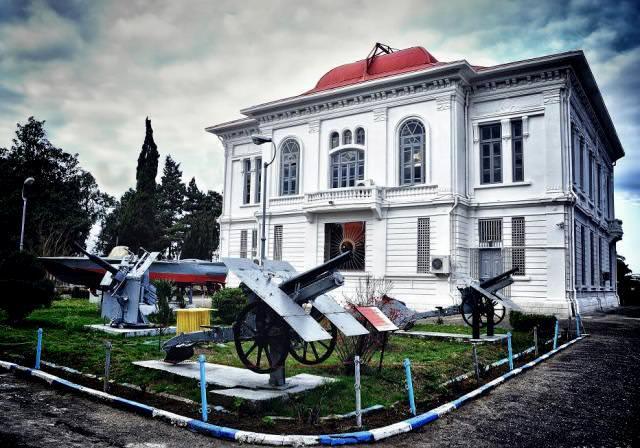کاخ موزه انزلی